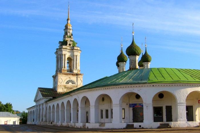 Куда съездить отдохнуть на выходные на машине, за границу, в России с детьми