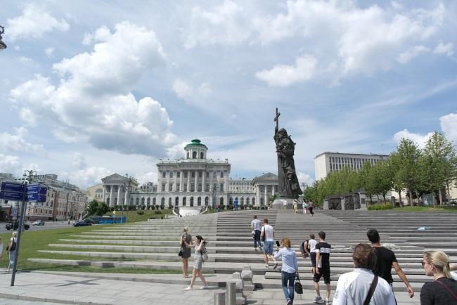 Как путешествовать по России и миру почти бесплатно: 10 способов. Группы Вконтакте