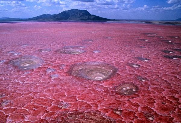 Самые опасные места на планете с фото, описанием для туристов, страшные в мире, России, Африке, где живут люди