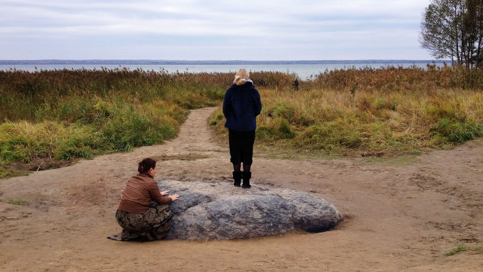 Синий камень в Переславле-Залесском. Драгоценный камень озера Плещеево. История названия, легенда. Адрес, как добраться