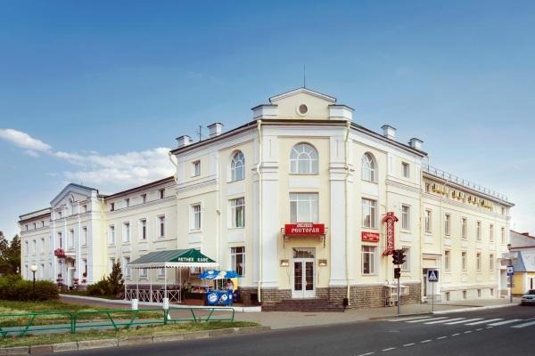 Суздаль. Гостиницы и гостевые дома, отели с баней, бассейном, питанием, в центре города. Цены