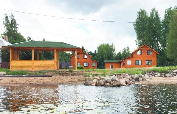 Загородный отдых в Ленинградской области. Недорого, коттеджи с бассейном, база отдыха. Цены