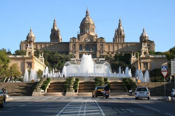 Что посмотреть в Барселоне за 1-2 дня самостоятельно. Маршруты по городу и окрестностям региона Каталония в Испании