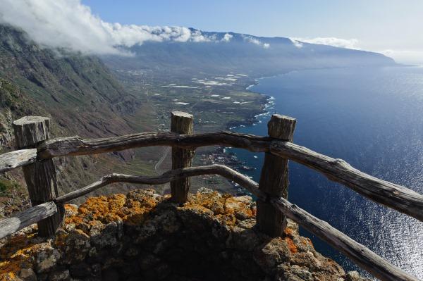 Канарские острова на карте мира. Погода, курорты, туры, цены на отдых 2019