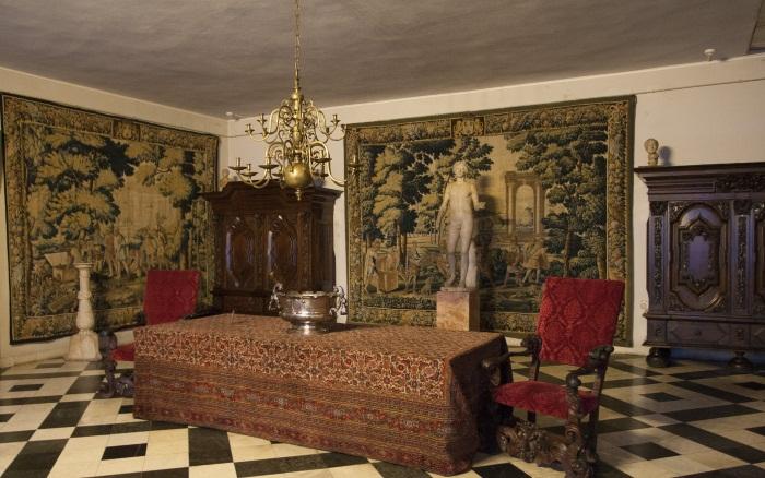 Меншиковский дворец в Санкт-Петербурге. Где находится, архитектор, часы работы