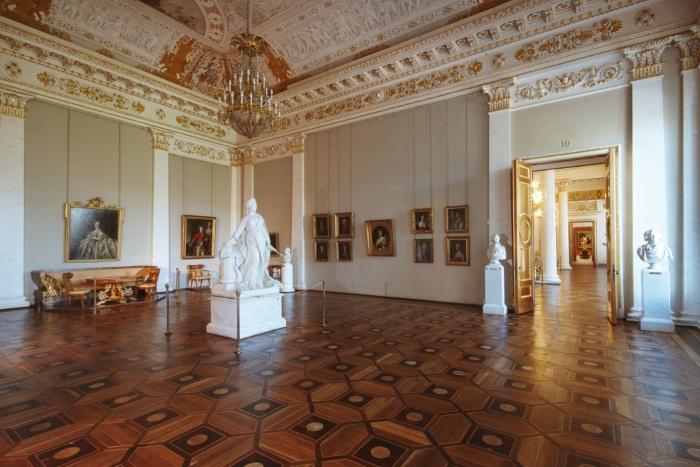 Михайловский дворец в Санкт-Петербурге. Описание, адрес, цены
