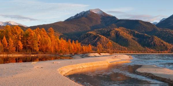 На побережье какого озера находится Баргузинский заповедник
