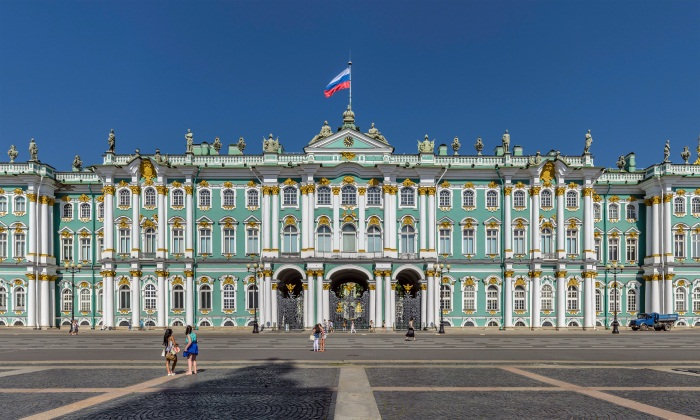 Дворцовая площадь в Санкт Петербурге. Описание, адрес, как добраться, интересные факты