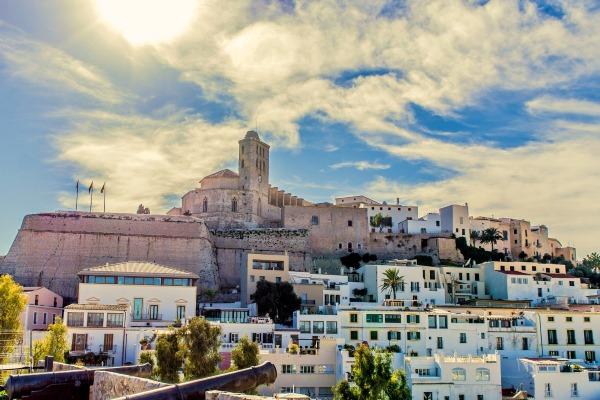 Ибица, Испания. Где находится на карте, достопримечательности курорта
