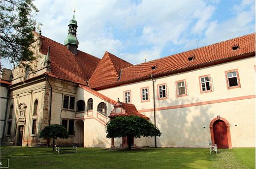 Крумлов, Чехия. Достопримечательности, замок города, описание, как добраться из Праги, экскурсия