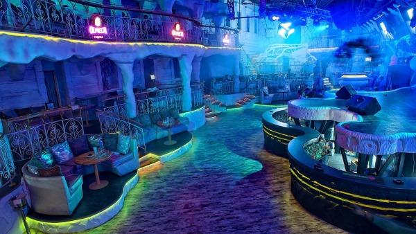 Потанцевать в клубе москва фитнес клуб гостиницы москва