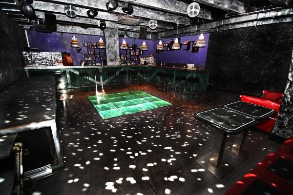 Клуб где потанцевать москва танцы в клубе девушек видео ночном