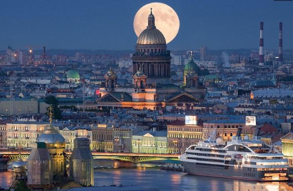 Ночные экскурсии по Санкт-Петербургу на автобусе и кораблике, с разводом мостов