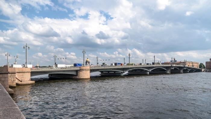 Река Нева на карте России. Откуда вытекает и куда впадает, интересные факты, растения и животный мир
