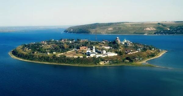 Город Свияжск и его главные достопримечательности с описанием и фото