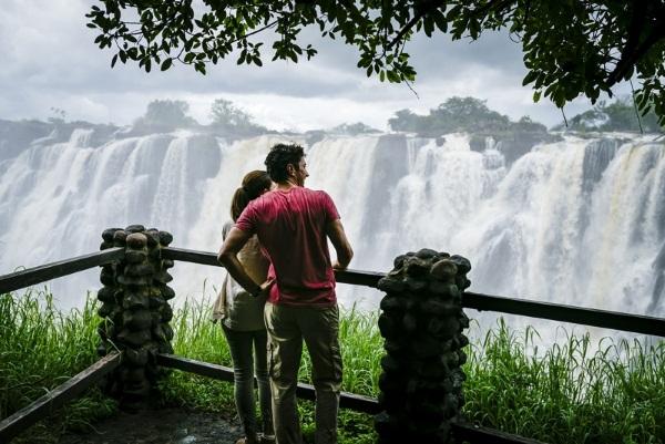 Водопад Виктория. Где находится, кто открыл, информация, факты