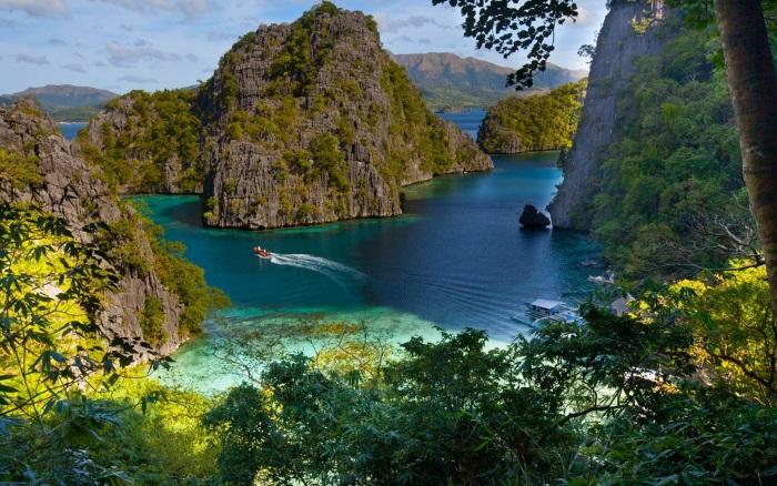 Где находится островное государство Филиппины на карте мира