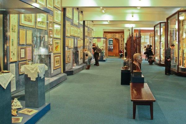 Краеведческий музей в Красноярске. История, архитектор, цена билета, экскурсии