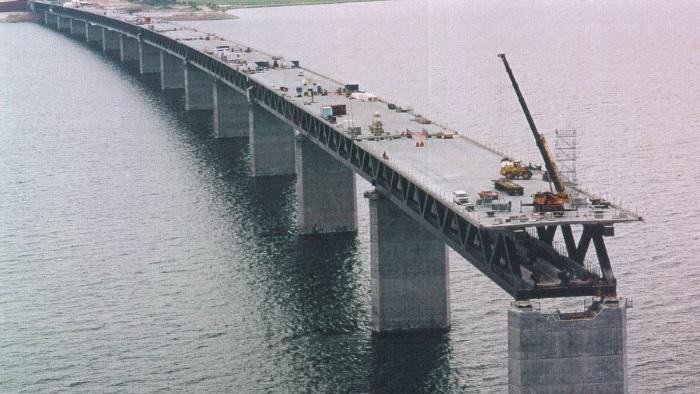 Мост между Данией и Швецией Эресуннский. Фото, как уходит в туннель, протяженность, факты