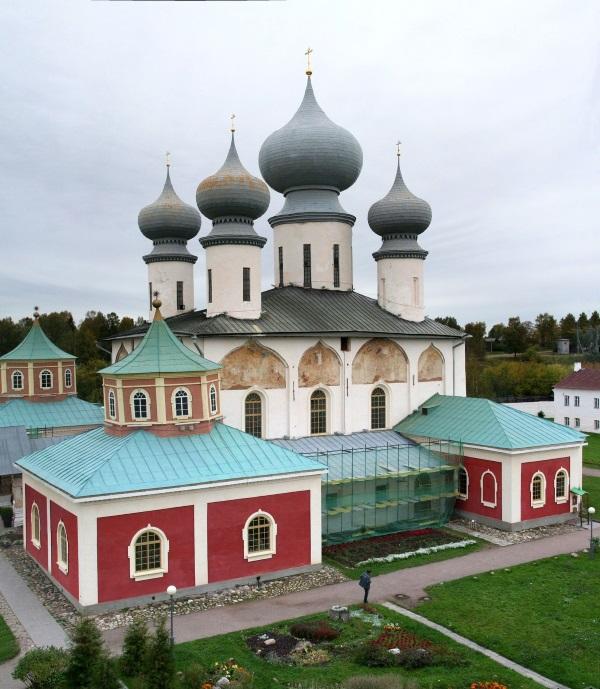 Самые красивые места в Ленинградской области. Куда съездить на машине