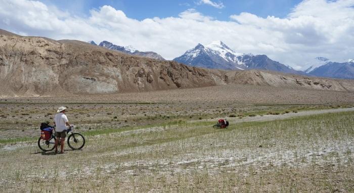 Сарезское озеро в Таджикистане. Фото, где на карте, как добраться, отдых