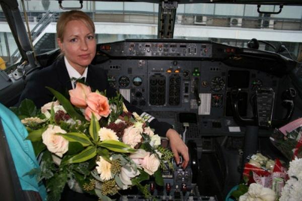 Женщины пилоты гражданской авиации в России. Фото, список лучших, истории