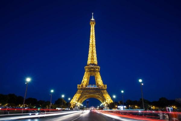 Эйфелева башня в Париже. Где находится, площадь, фото, интересные факты