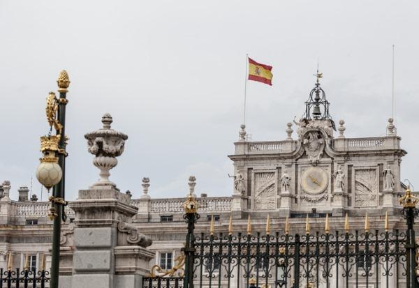 Королевский дворец в Мадриде, Испания. Фото, история, адрес, как добраться, цена билета и бесплатное посещение