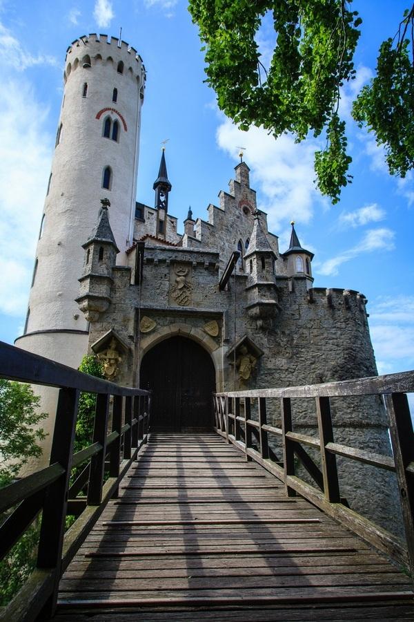 Замок Лихтенштайн в Германии. Фото, чем уникален, адрес, как добраться