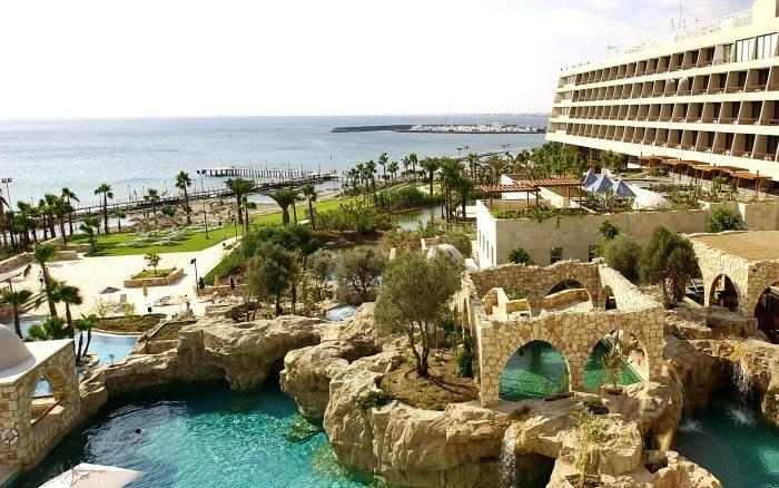 Лучшие отели Кипра для отдыха с детьми. Семейные с песчаным пляжем, Все включено