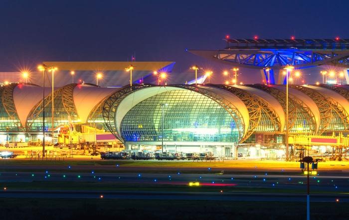 Самое большое здание в мире по площади, высоте, вместительности, длинные. Рейтинг и фото