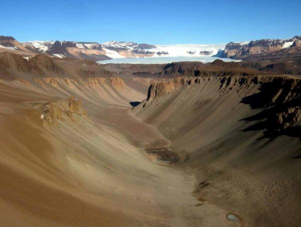 Самые странные, необычные и загадочные места на Земле. Фото, где находятся на картах Google