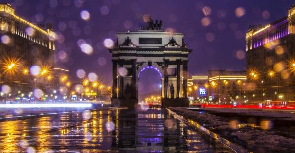 Триумфальная арка на Кутузовском проспекте в Москве: история, архитектура, фунциональность