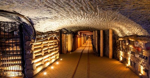 Главная достопримечательность Польши - соляные пещеры Величка