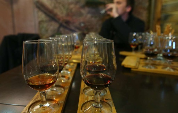 Вино французское: красное, сухое, полусладкое, белое, розовое, игристое. Названия, производители