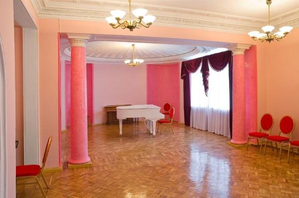 Дворец на Яузе. Фото зала, удобные места, как видно. Схема, как добраться