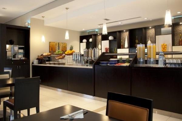 Holiday Inn Express Jumeirah 2* Дубай, Джумейра, ОАЭ. Отзывы, фото отеля, цены