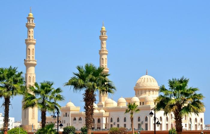 Хургада или Шарм-Эль-Шейх? Где лучше отдохнуть, погода по месяцам, где интереснее