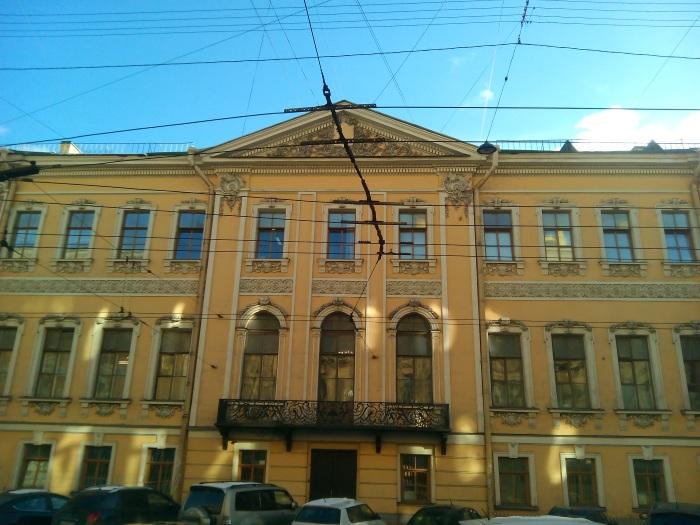 Индивидуальные экскурсии по Санкт-Петербургу на автомобиле, микроавтобусе, катере для детей. Цены