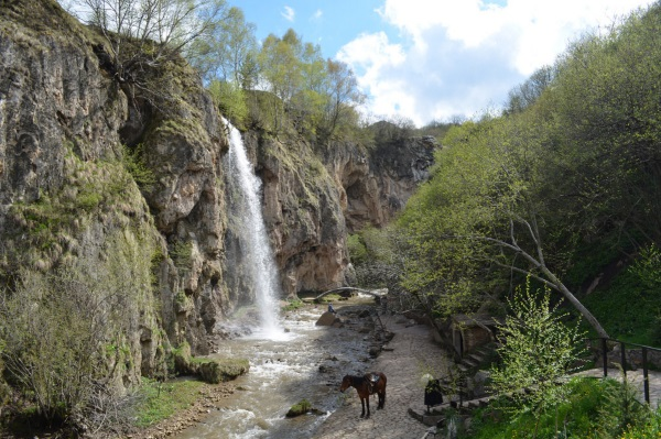 Кисловодск. Достопримечательности природы: парки, водопады, горы, озера. Отдых дикарем и с детьми