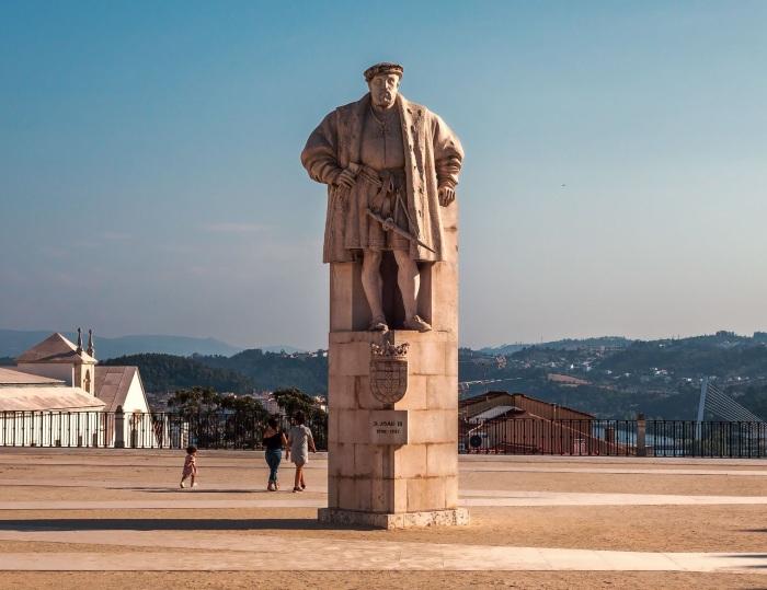 Коимбра, Португалия. Достопримечательности и интересные места, Дворец слез, фото, что посмотреть за один день