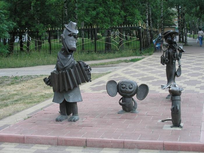 Котенок с улицы Лизюкова в Воронеже. Фото памятника, интересные факты