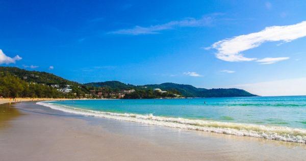 Лучшие пляжи Тайланда с белым песком, голубой водой на Пхукете. Фото
