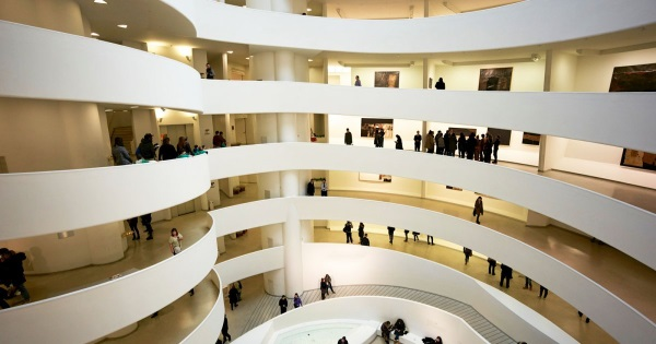 Музей Гуггенхайма в Бильбао, Испания. Фото внутри, экспонаты, фасады, где находится