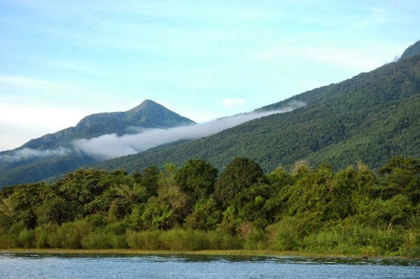 Озеро Танганьика. Где находится в Африке, фото, интересные факты, флора и фауна