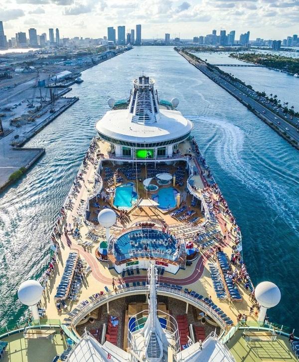 Самые большие пассажирские корабли в мире за всю историю. Топ-10, фото
