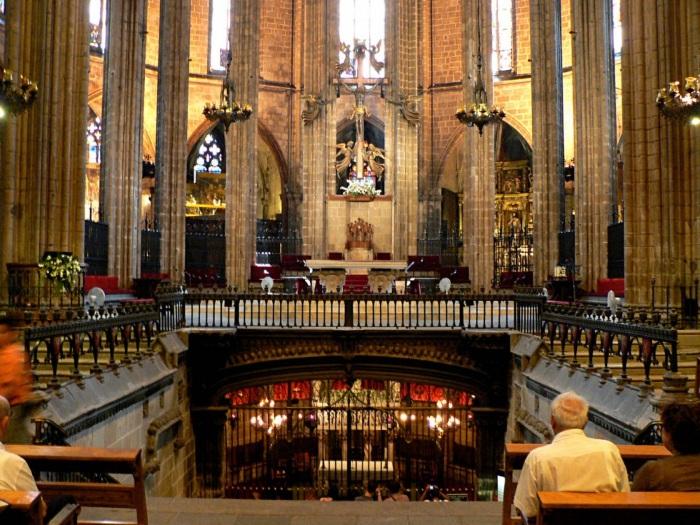 Собор Святого Креста и Святой Евлалии в Барселоне. Адрес, фото, история, факты