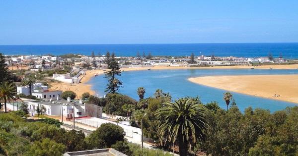 Курорты Марокко для пляжного отдыха. Карта побережья, где лучше на океане, Средиземном море