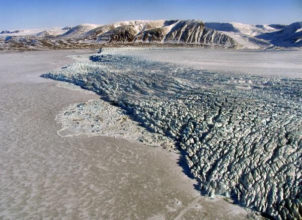 Острова в Северном Ледовитом океане. Список на карте с названиями, какие принадлежат России, самые крупные
