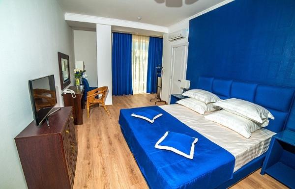 Отели Гурзуфа на берегу моря с собственным пляжем, бассейном, Все включено. Цены и отзывы